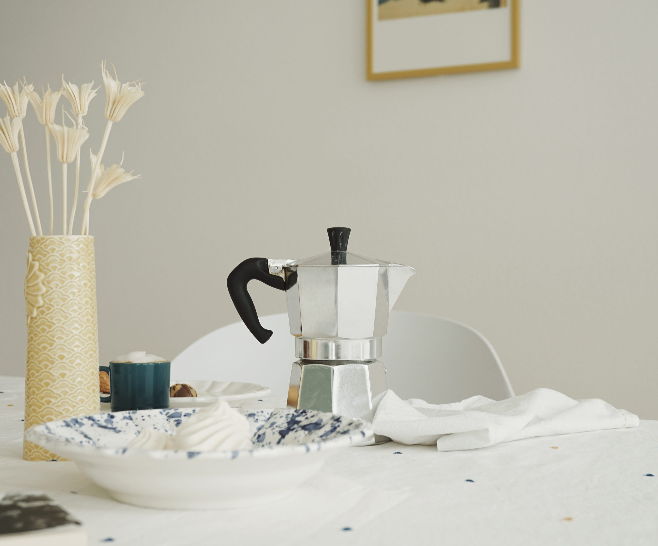 Steal This Idea Setting A Mismatched Breakfast Table Valeria Crescenzi